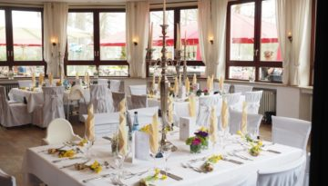 wedding-table-1174131_1920